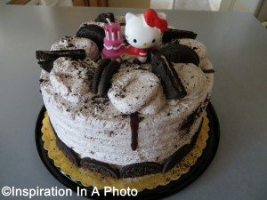 Chocolate cake with cookies and cream icing_Birthday cake