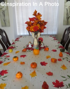 Thanksgiving table 1_2015