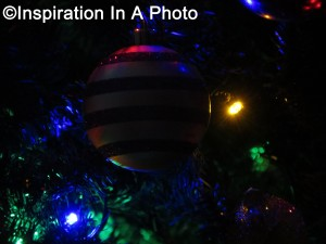 Illuminated striped bulb