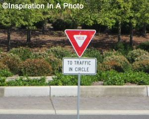 Yield sign_traffic circle